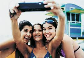gals-doing-selfie